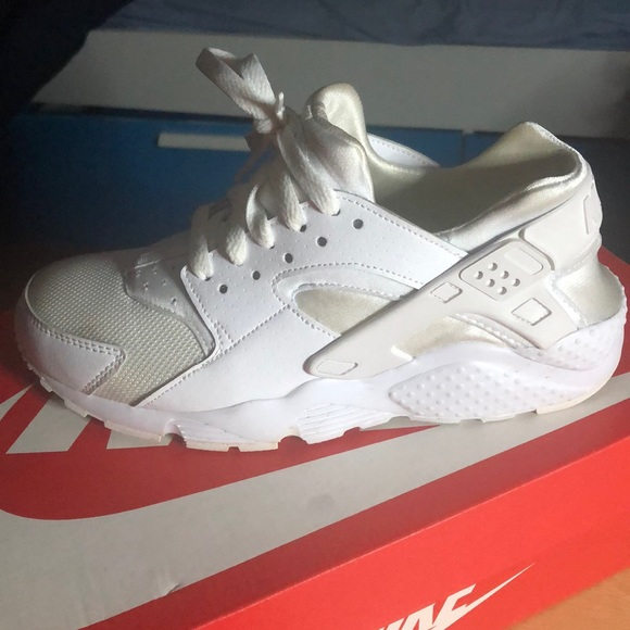 Nike Shoes | All White Huaraches Size 6